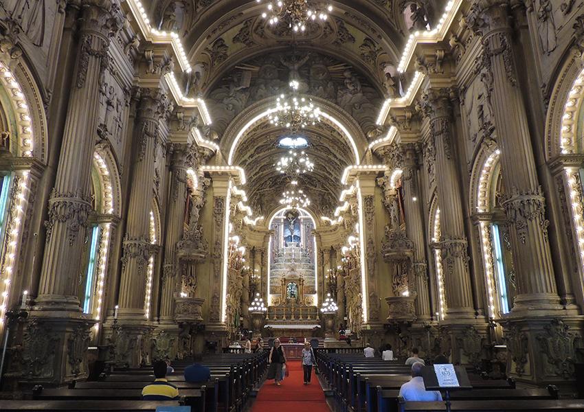 Igreja São Francisco de Paula: Luzes a partir de 11h