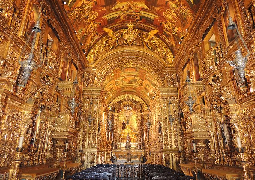 A belíssima Igreja de São Francisco da Penitência pode passar despercebida por quem passa pelo Largo da Carioca.